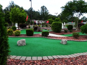 Mini golf backyard for Garden city mini golf